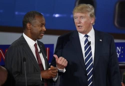 Nero, anti islam e creazionista: il medico che Trump vuole al suo fianco
