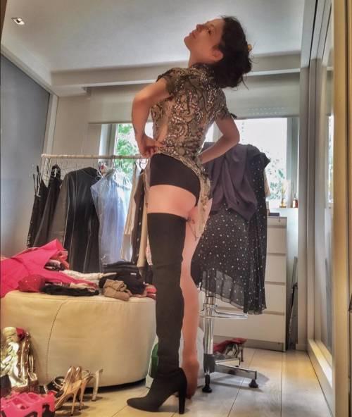 Naike Rivelli, sexy da Instagram agli happening 23