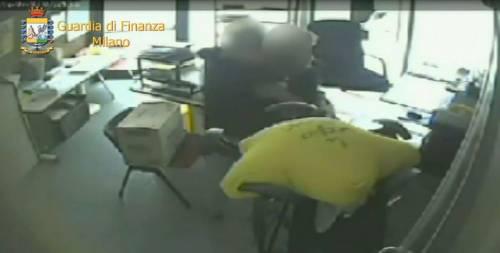 Sesso in cambio di case popolari: arrestato funzionario comunale