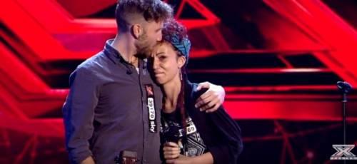 Clamoroso a X Factor: gruppo Daiana Lou si autoelimina. Ed è subito polemica
