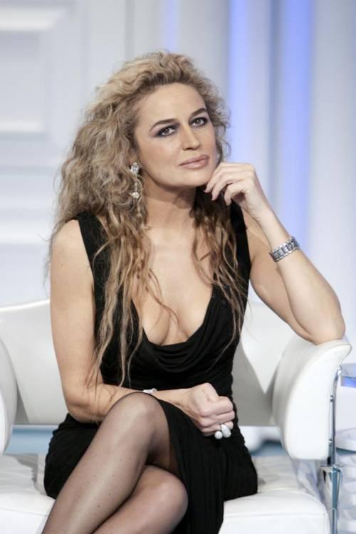 Lory Del Santo, sexy e avventurosa 11