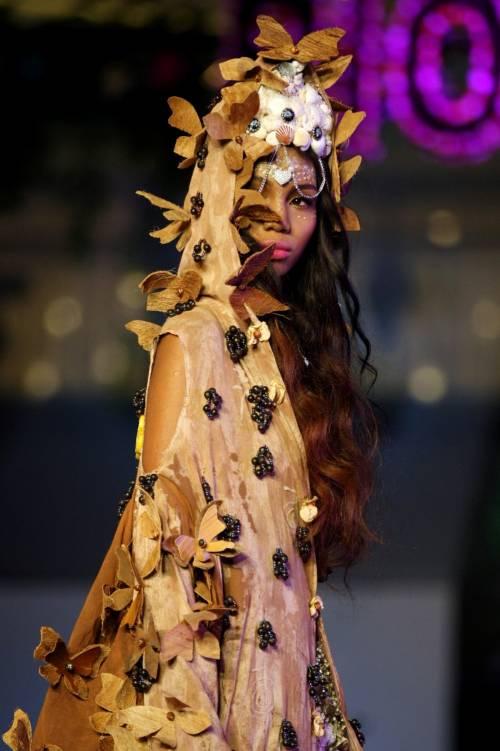 """Sulle passerelle colombiane la moda """"biodegradabile"""""""