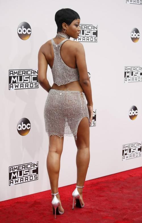 American Music Awards 2016, ecco i lokk stravaganti delle star 2