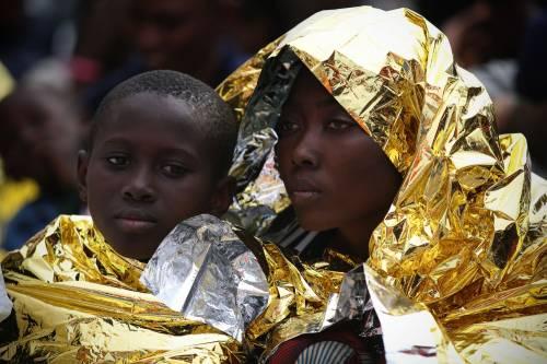 """Accusa alla Francia: """"Respinge illegalmente migranti in Italia"""""""