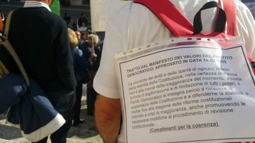"""Salva Banche, risparmiatori in piazza: """"Renzi, vogliamo indietro i nostri soldi"""" 6"""