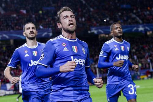 La Juventus vola a Siviglia: vittoria, primo posto e ottavi di finale in tasca