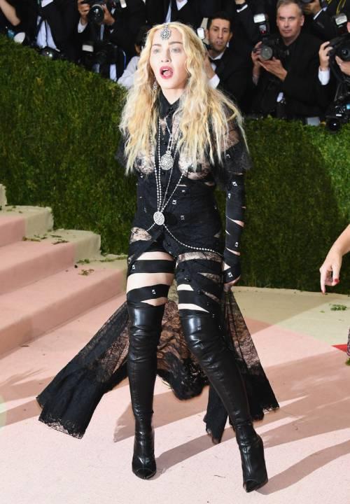 Madonna, i look più sexy 22
