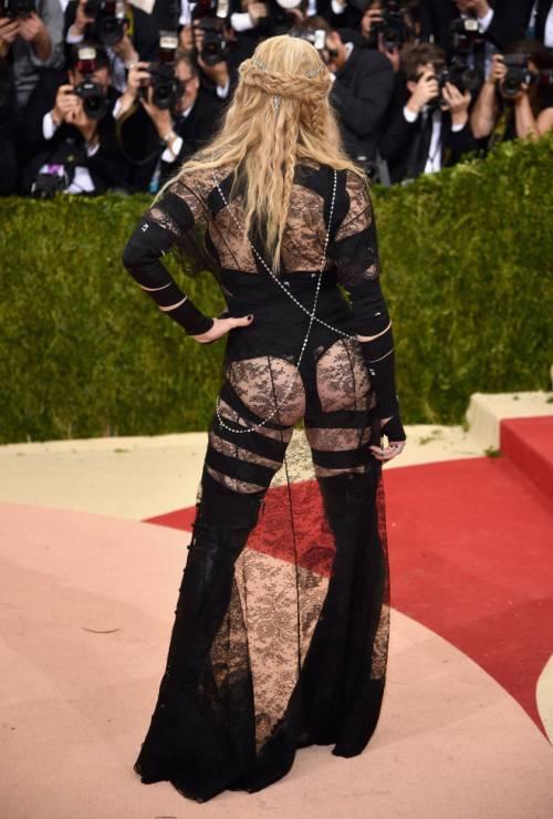 Madonna, i look più sexy 29