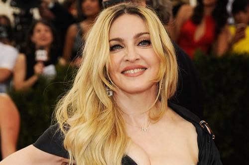 Madonna, i look più sexy 32
