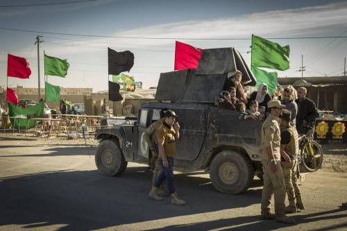 Isis fa strage di fedeli sciiti di ritorno dal pellegrinaggio in Iraq