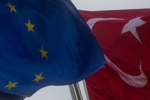 Adesso Erdogan minaccia di inondare l'Europa di profughi