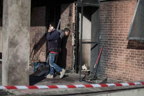 Bologna, scoppia ordigno alla caserma dei carabinieri