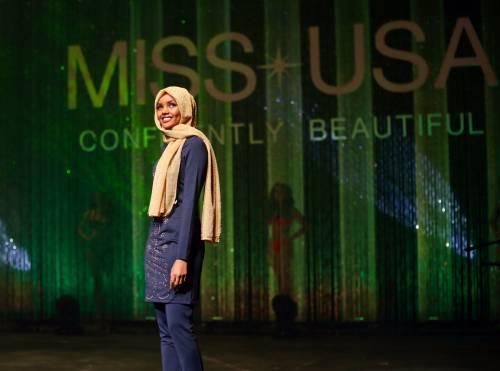 Halima Aden, la prima concorrente di Miss Minnesota in burkini