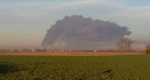 Pavia, esplosione alla raffineria dell'Eni 2