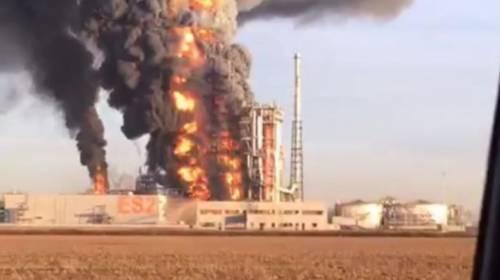 Pavia, esplosione alla raffineria dell'Eni 5