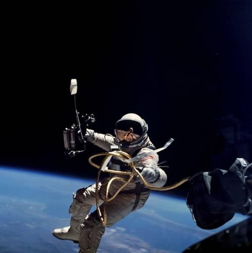 La Nasa offre 30mila dollari per risolvere il problema delle feci degli astronauti