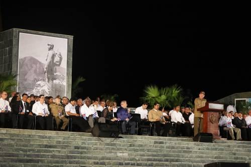 L'ultimo saluto a Fidel Castro a Santiago 5