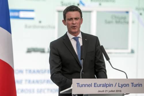 L'ex premier francese Valls adesso vuole candidarsi a sindaco di Barcellona