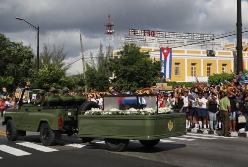 Il corteo funebre di Fidel Castro a Santiago 3