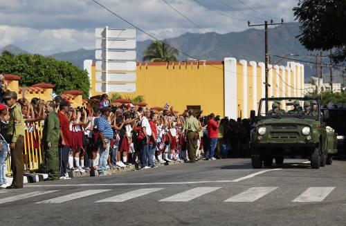 Il corteo funebre di Fidel Castro a Santiago 5