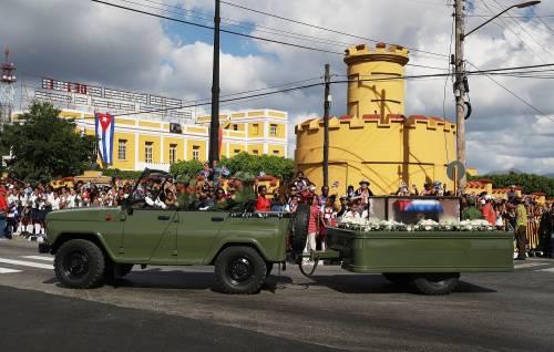 Il corteo funebre di Fidel Castro a Santiago 2