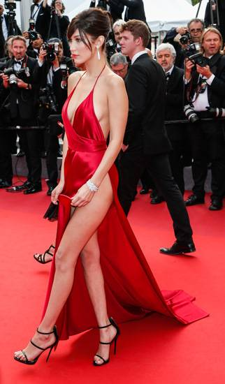 Bella Hadid, le foto più sexy 29