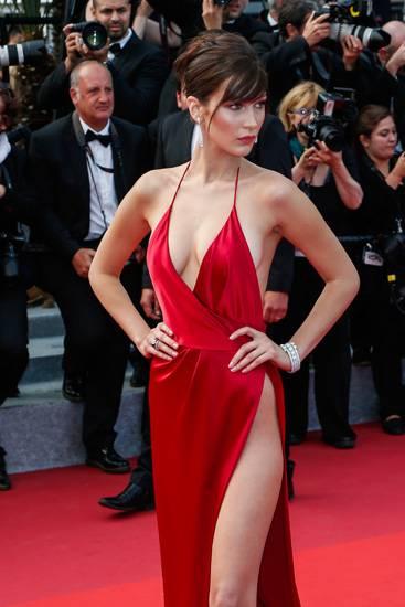 Bella Hadid, le foto più sexy 28