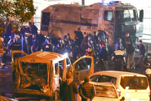 Due esplosioni a Istanbul 10