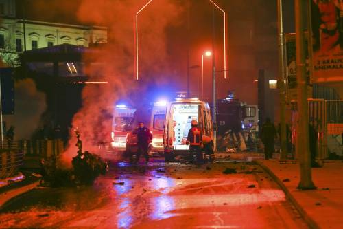 Due esplosioni a Istanbul 15