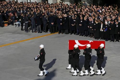 A Istanbul i funerali degli ufficiali uccisi 3
