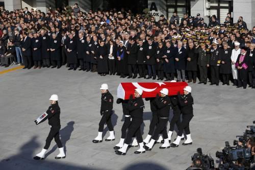 A Istanbul i funerali degli ufficiali uccisi 6
