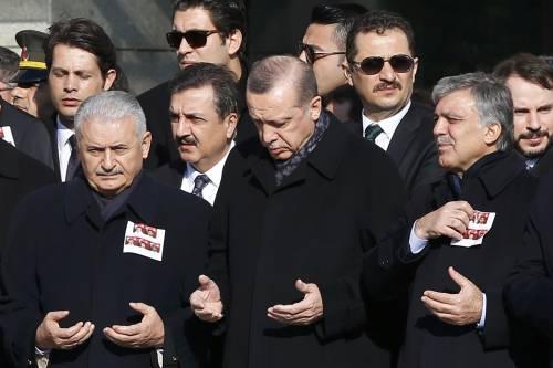 A Istanbul i funerali degli ufficiali uccisi 4