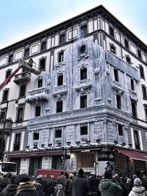 Milano, il palazzo ghiacciato spopola sui social network 2