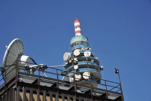 "Mediaset-Vivendi, l'Agcom: ""Possibile veto su Telecom"""