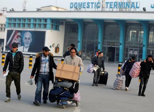 Migranti, un afghano espulso dalla Germania si impicca a Kabul