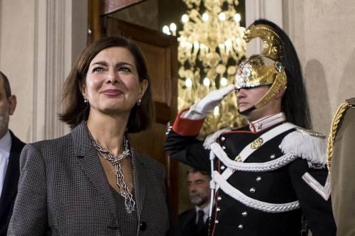 """""""Salvini cinico omette i soccorsi"""". E in Aula scoppia il caos per le parole della Boldrini"""