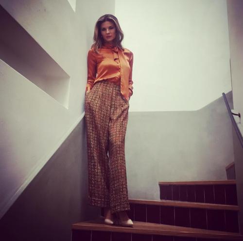 Martina Colombari sexy nella vita di tutti i giorni 8