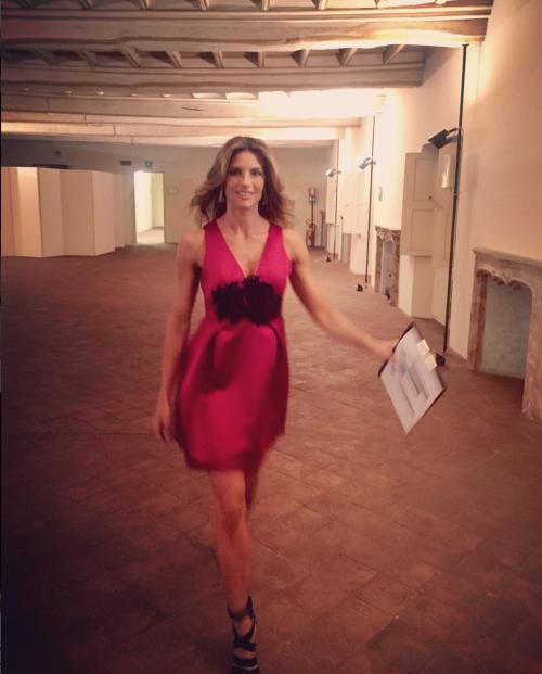 Martina Colombari sexy nella vita di tutti i giorni 16