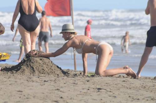 Martina Colombari sexy nella vita di tutti i giorni 26