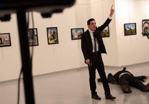 Ankara, spari all'ambasciatore russo: la fotosequenza 2