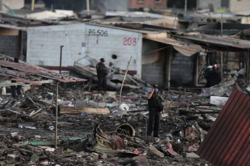 Messico, esplode il mercato dei fuochi artificiali 13