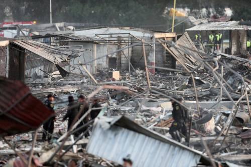 Messico, esplode il mercato dei fuochi artificiali 19