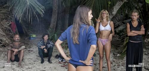 Paola Caruso hot, sexy e prorompente: foto 14
