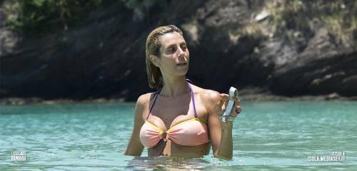 Paola Caruso hot, sexy e prorompente: foto 16