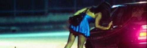 Napoli, va a prostitute e trova la moglie, ma è una bufala