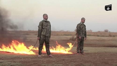 Isis, bruciati vivi due soldati turchi