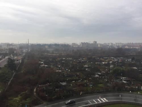 Roghi di rifiuti nel cuore di Milano 5