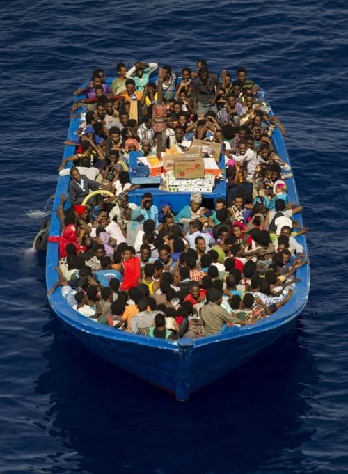 """Nuove regole per i migranti: """"Chi chiede asilo dovrà lavorare"""""""
