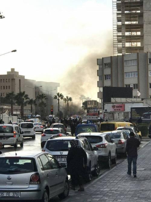 La scena dell'attentato a Izmir 4