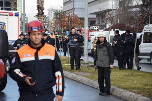 La scena dell'attentato a Izmir 7